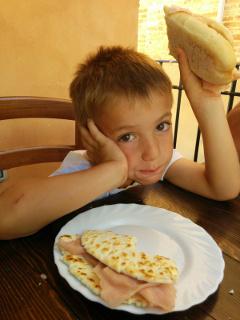 Lorenzo pranza, a Gradara