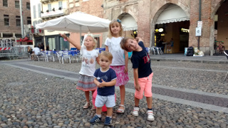 Viola, Alice, Bea e Lorenzo