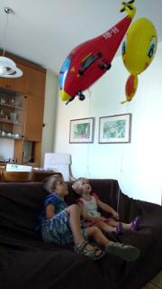 Lorenzo e Bea con Titti e l'Elicottero