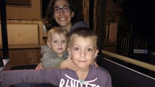 Silvia e i bimbi sul trenino